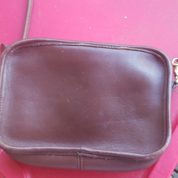 Coach Handbags - Nice vintage coach bag